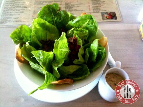 gourmet-cafe_caesar-salad